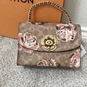 🆕NWT Coach signature tea rose Parker 18